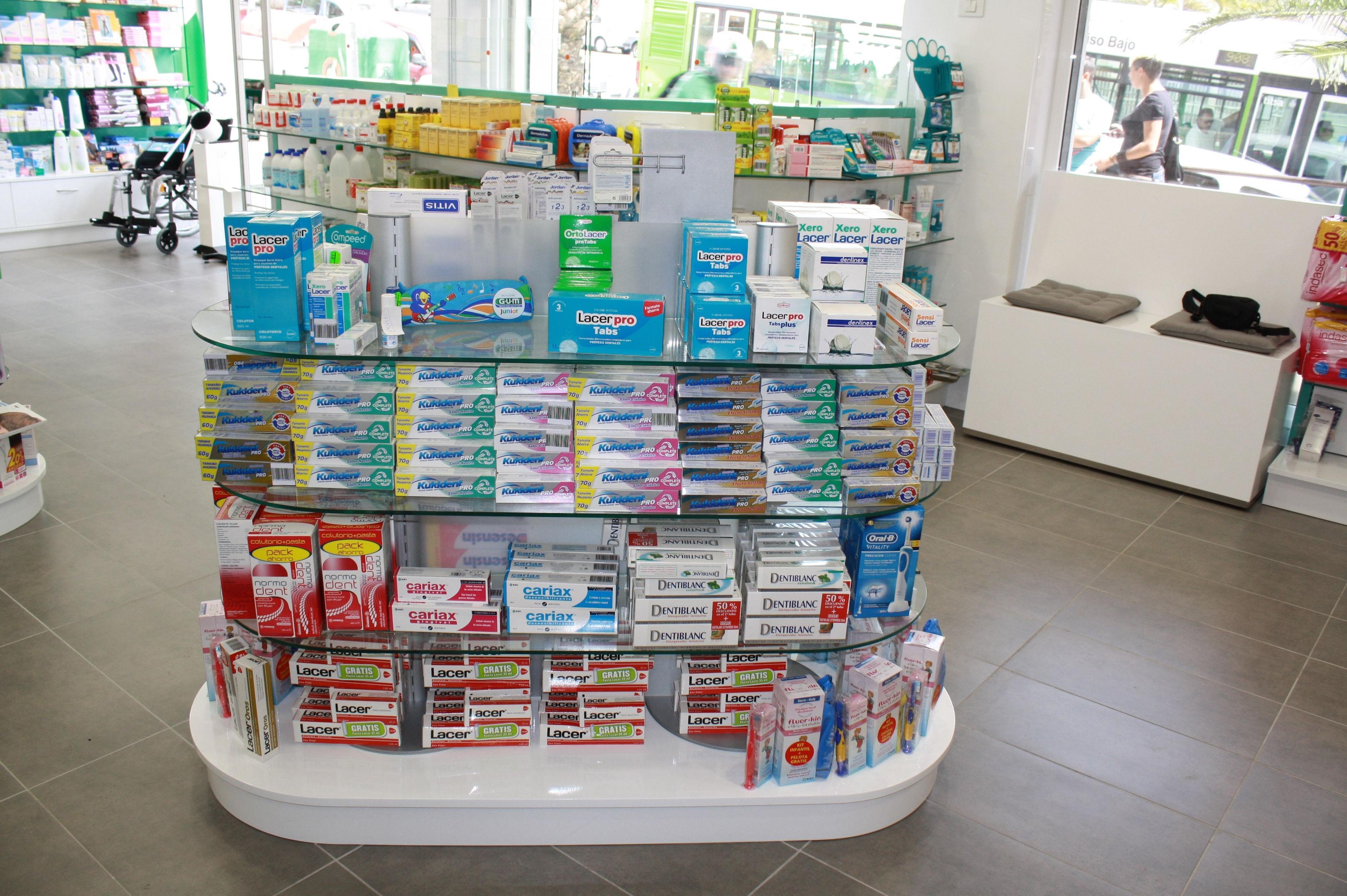 Mobiliario y stands para farmacias