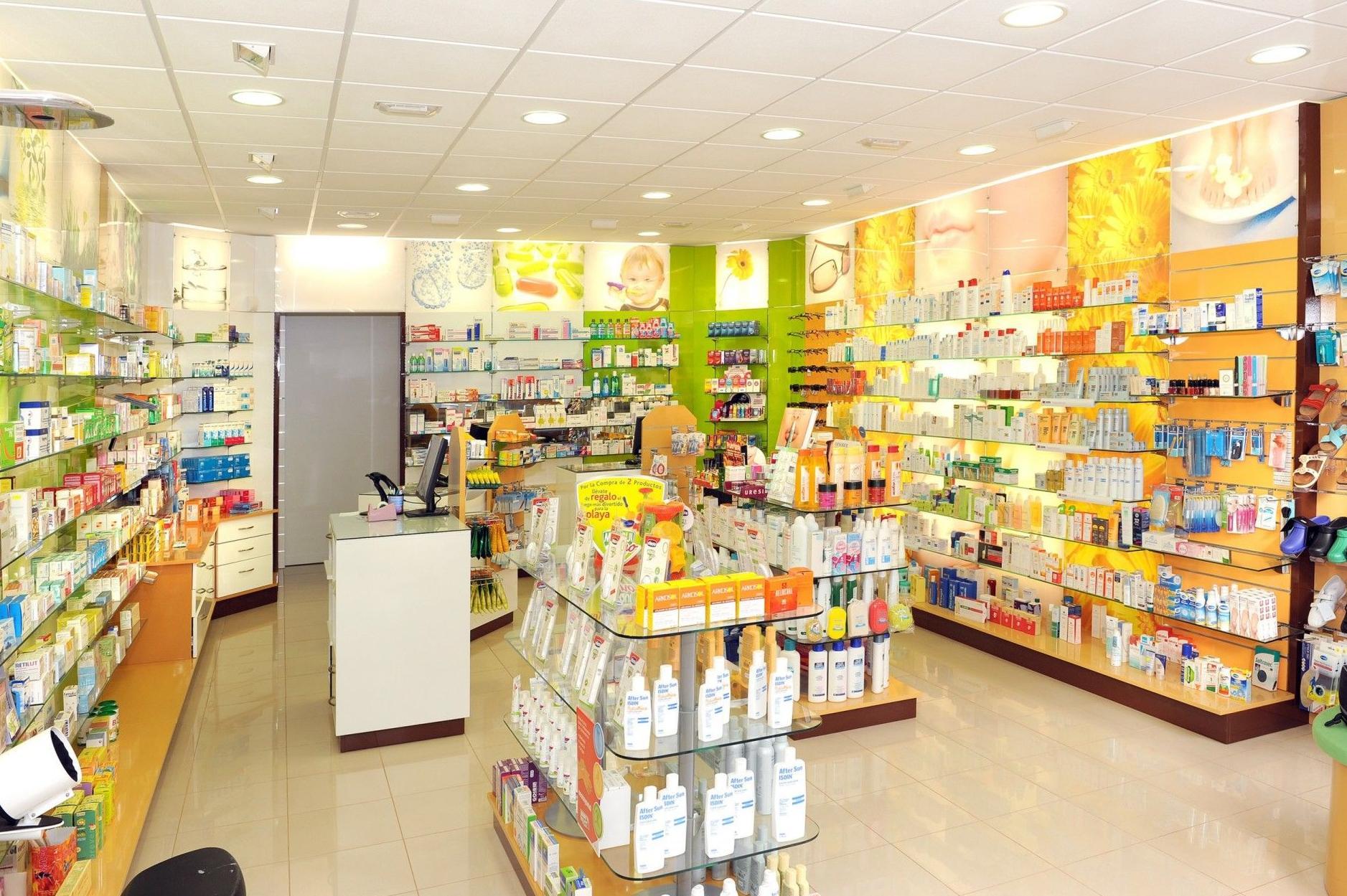 Muestra de estanterías para farmacias