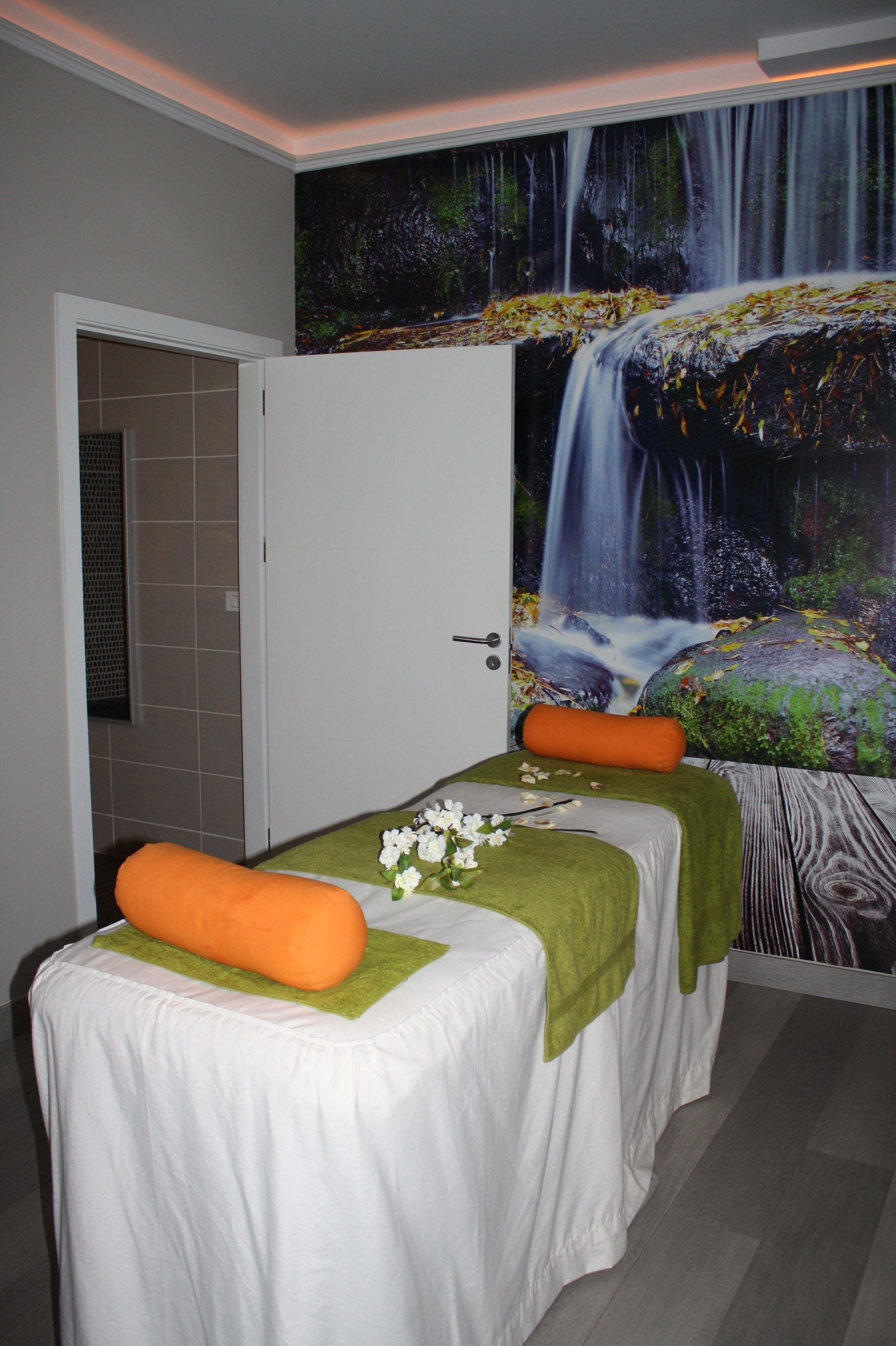 Mobiliario especializado para centros de salud y belleza