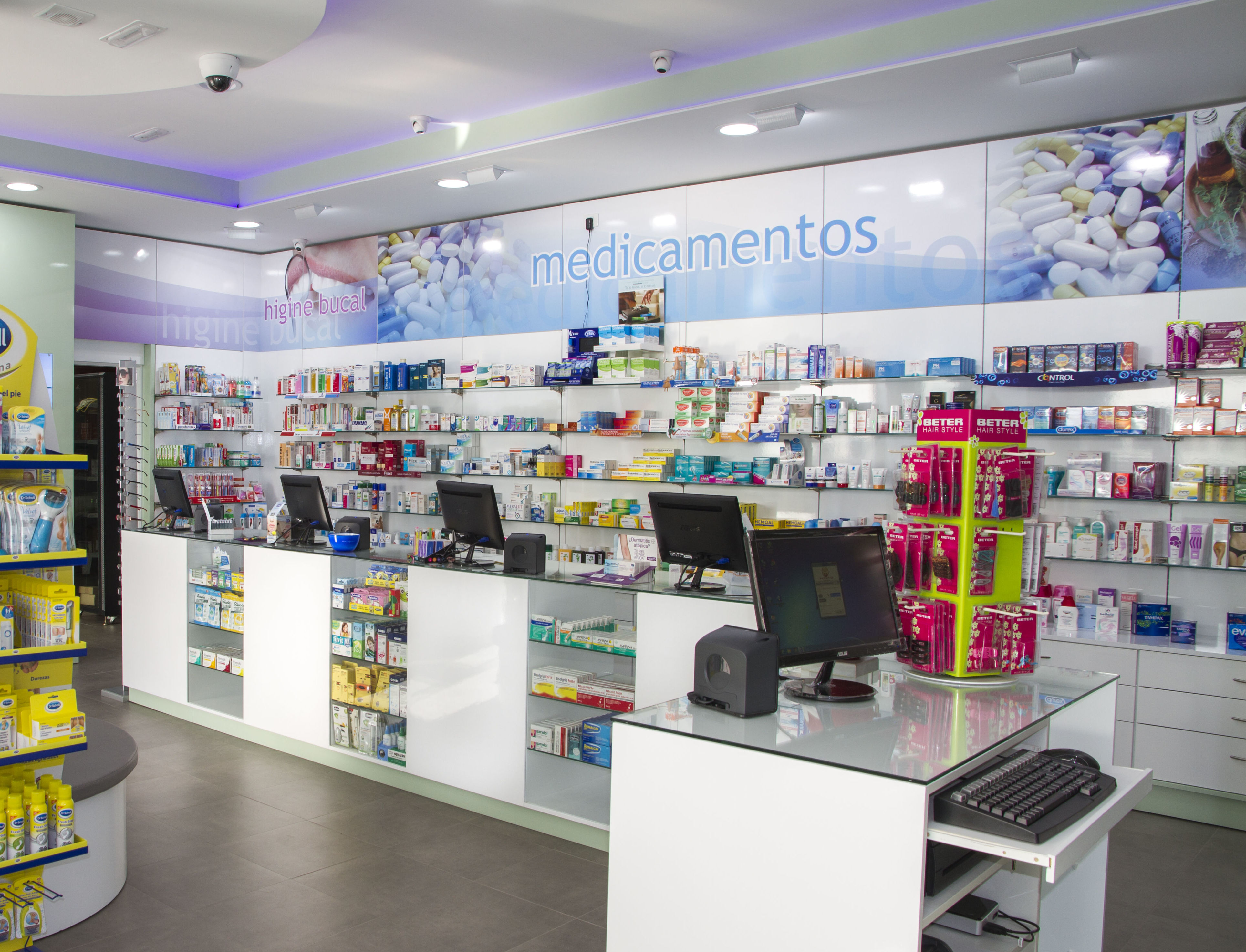 Mobiliario para farmacias en Tenerife