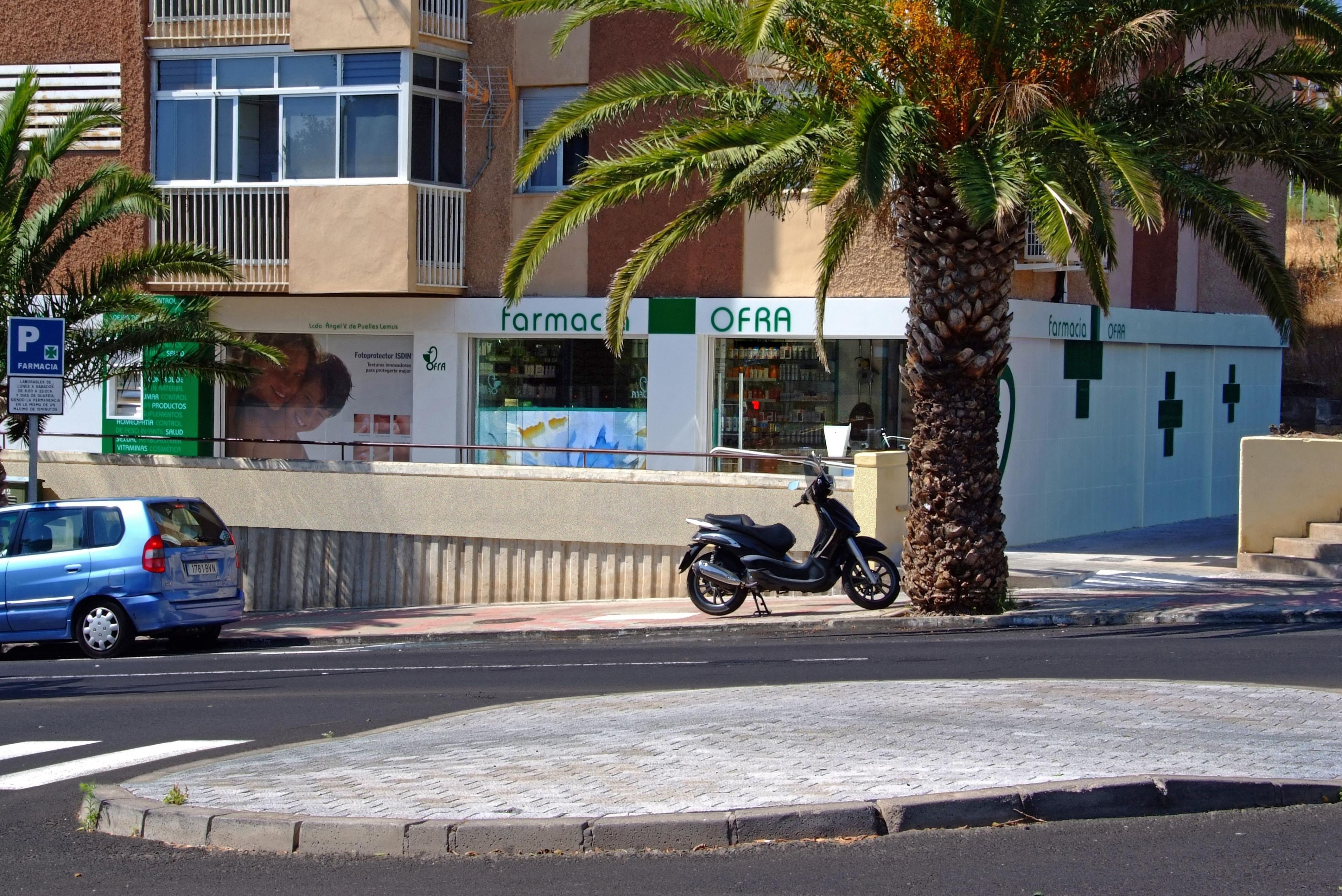 Mobiliario y equipamiento para farmacias en Tenerife
