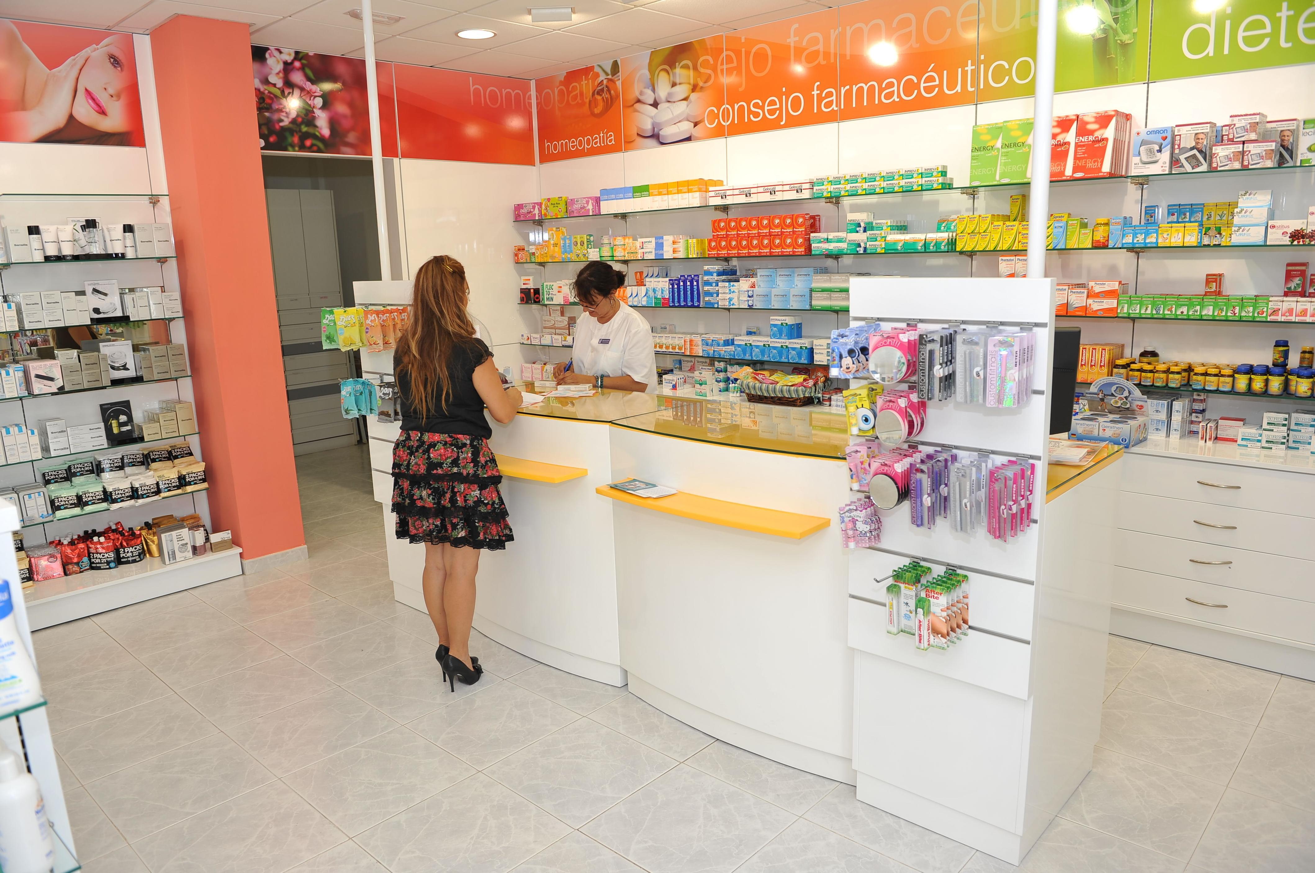 Canarias Decofarma. Reformas en farmacias en Tenerife