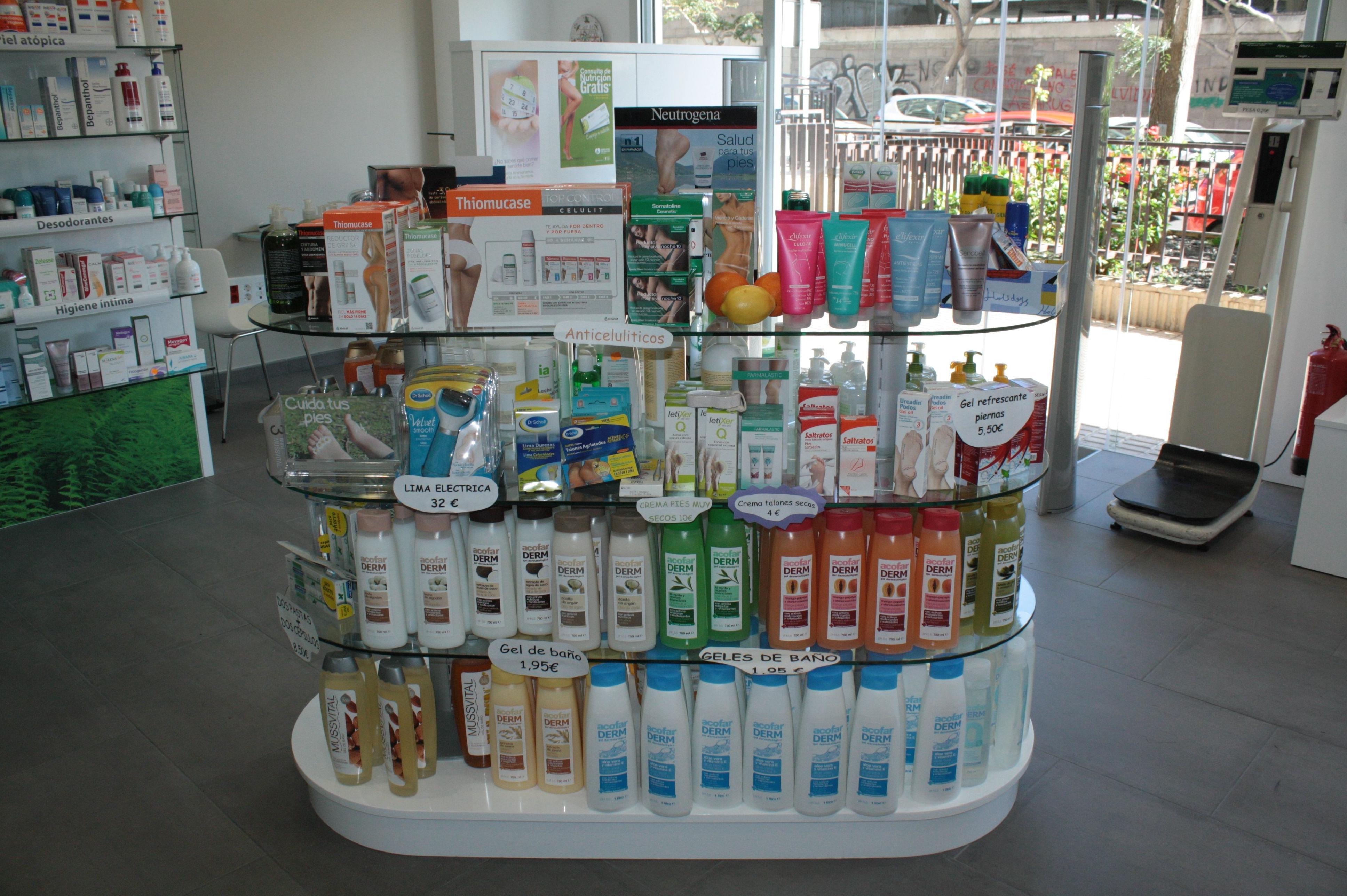 Equipación integral de farmacias en Santa Cruz de Tenerife