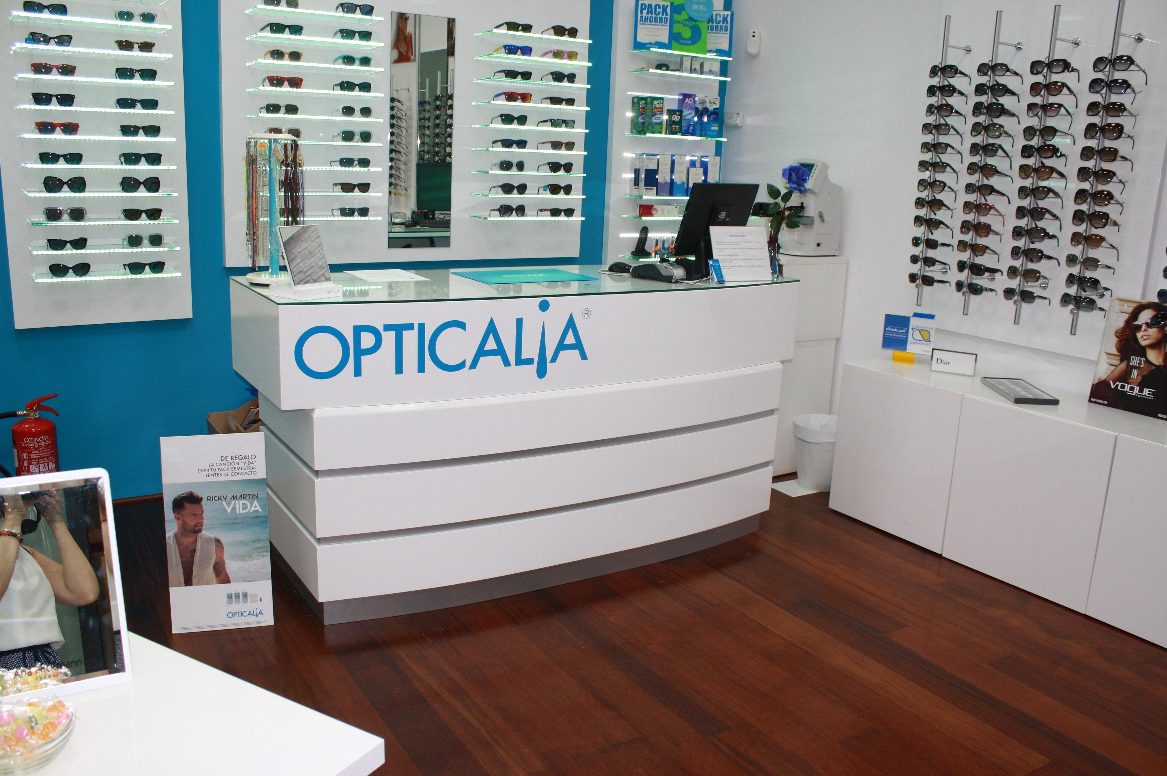 Canarias Decofarma, mobiliario para ópticas en Canarias
