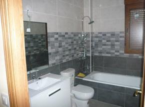 Baño de vivienda construida