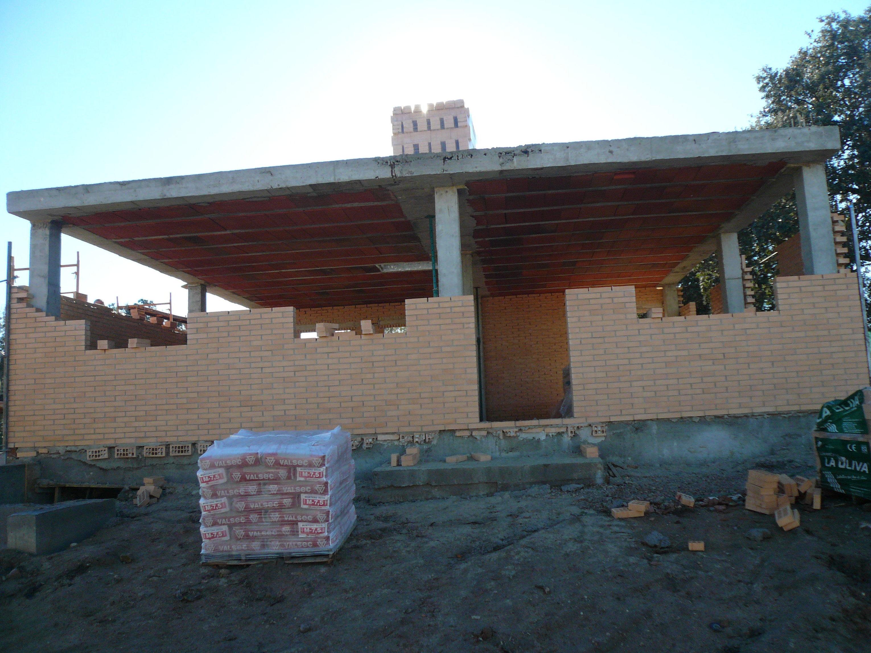 frente vivienda en construcción