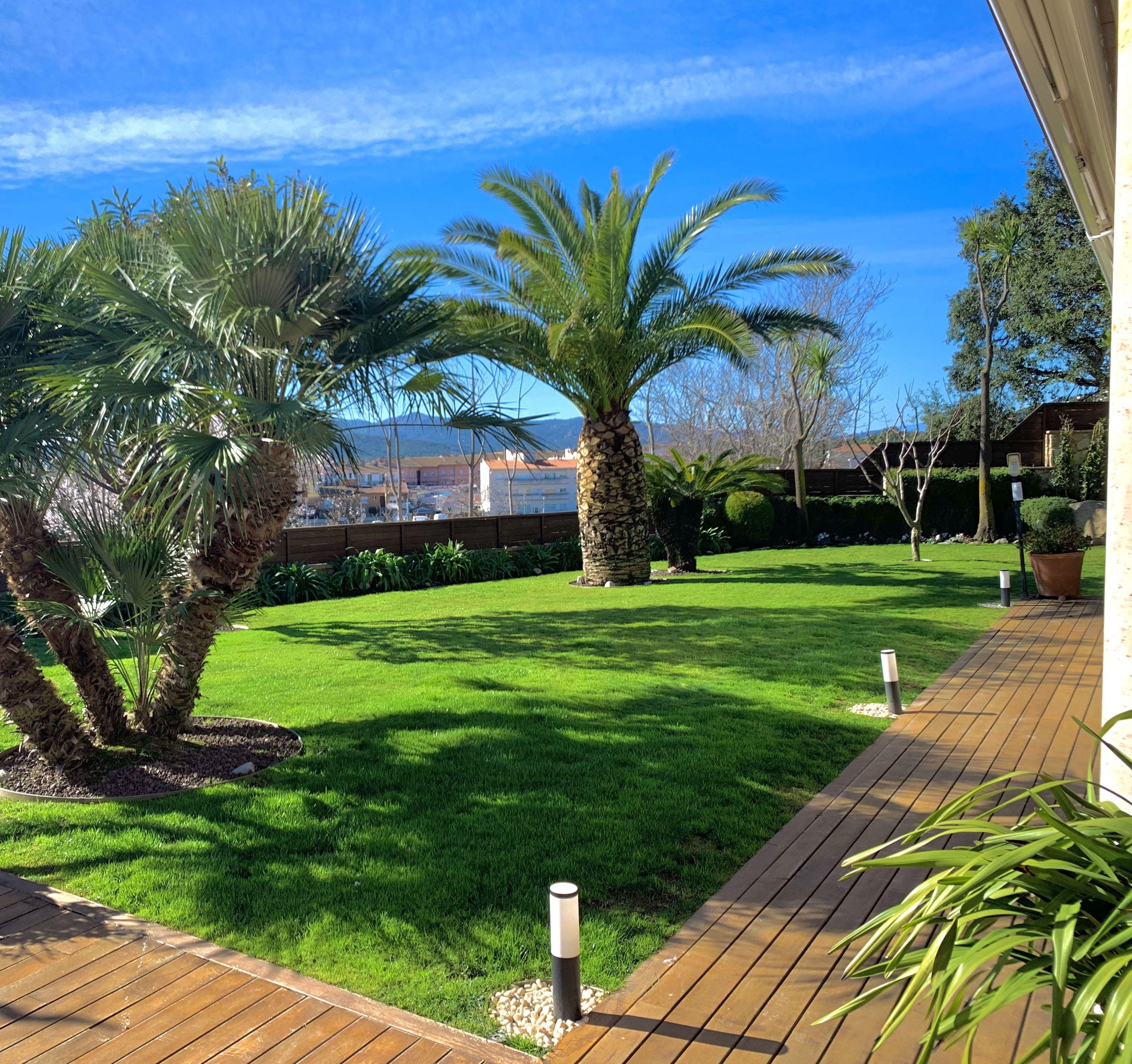 Foto 3 de Diseño y mantenimiento de jardines en Sant Feliu de Guíxols | Món Verd / Mundo Verde / Green World