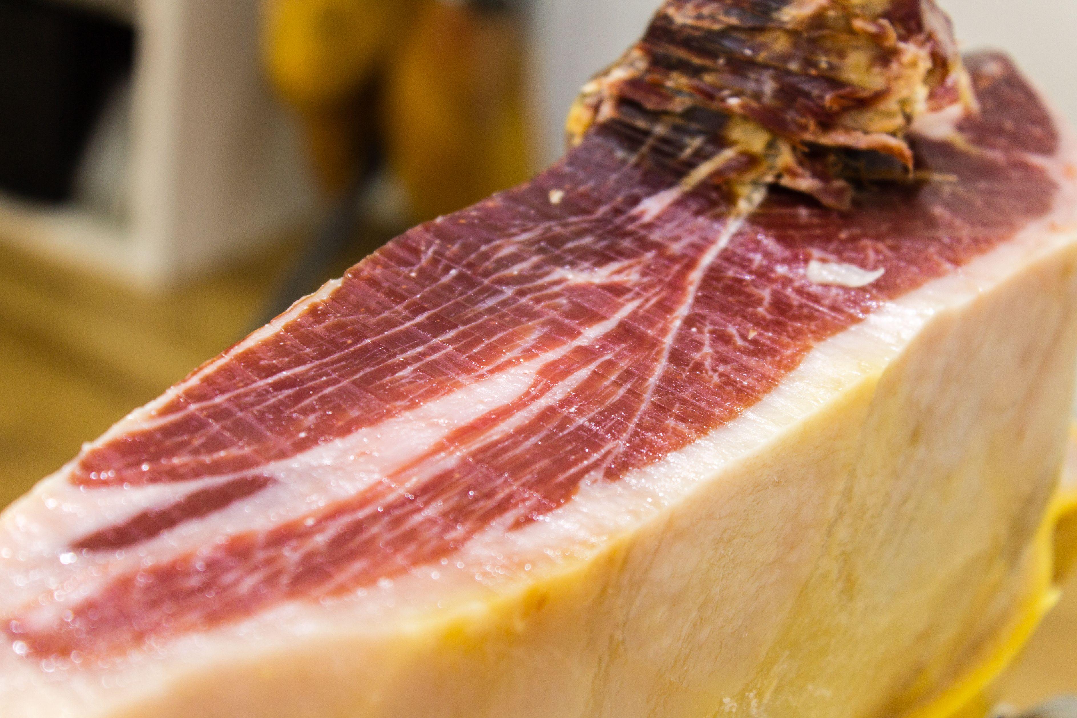 Foto 30 de Tiendas gourmet en Fuengirola | Jamonería Quesería Sabor Ibérico