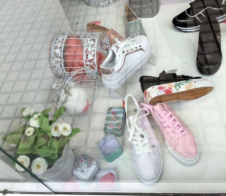 Zapatos y complementos de moda en Zaragoza