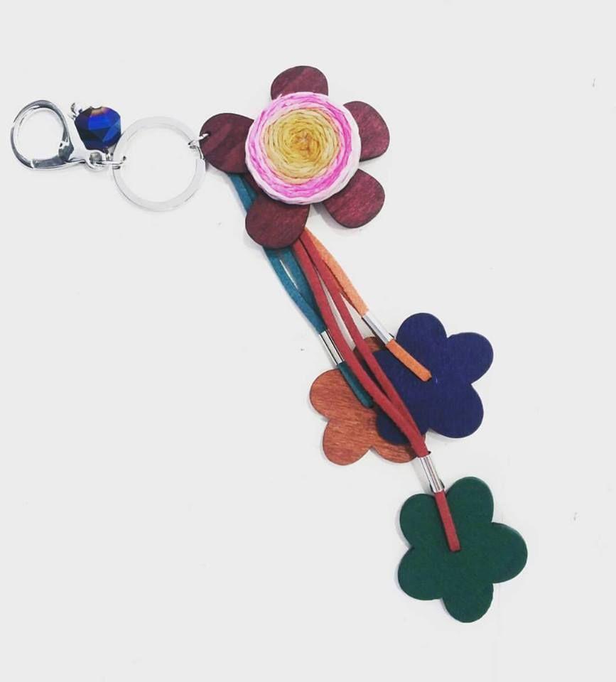 Llaveros florales