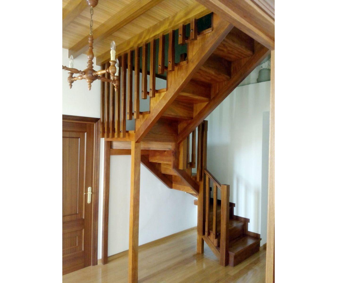 Escaleras y estructuras de madera en A Coruña