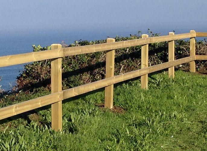 Vallas y cercados de madera en A Coruña