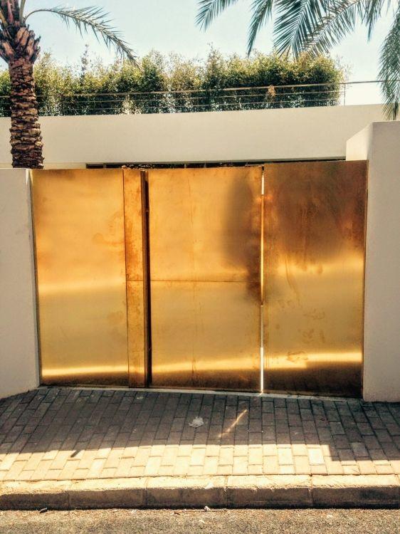 Fabricación e instalación de puertas en Ibiza