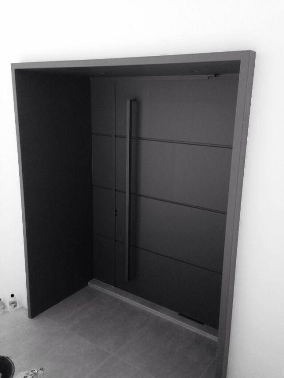 Fabricación de puertas metálicas en Ibiza