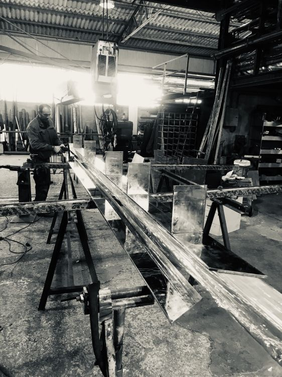 Fabricación e instalación de estructuras metálicas en Ibiza