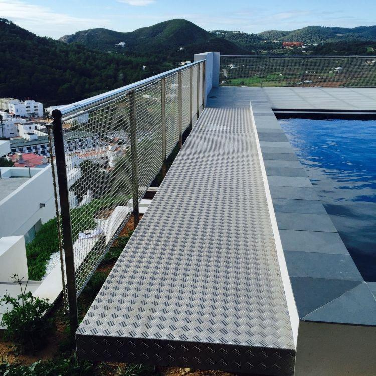 Fabricación e instalación de barandillas en Ibiza