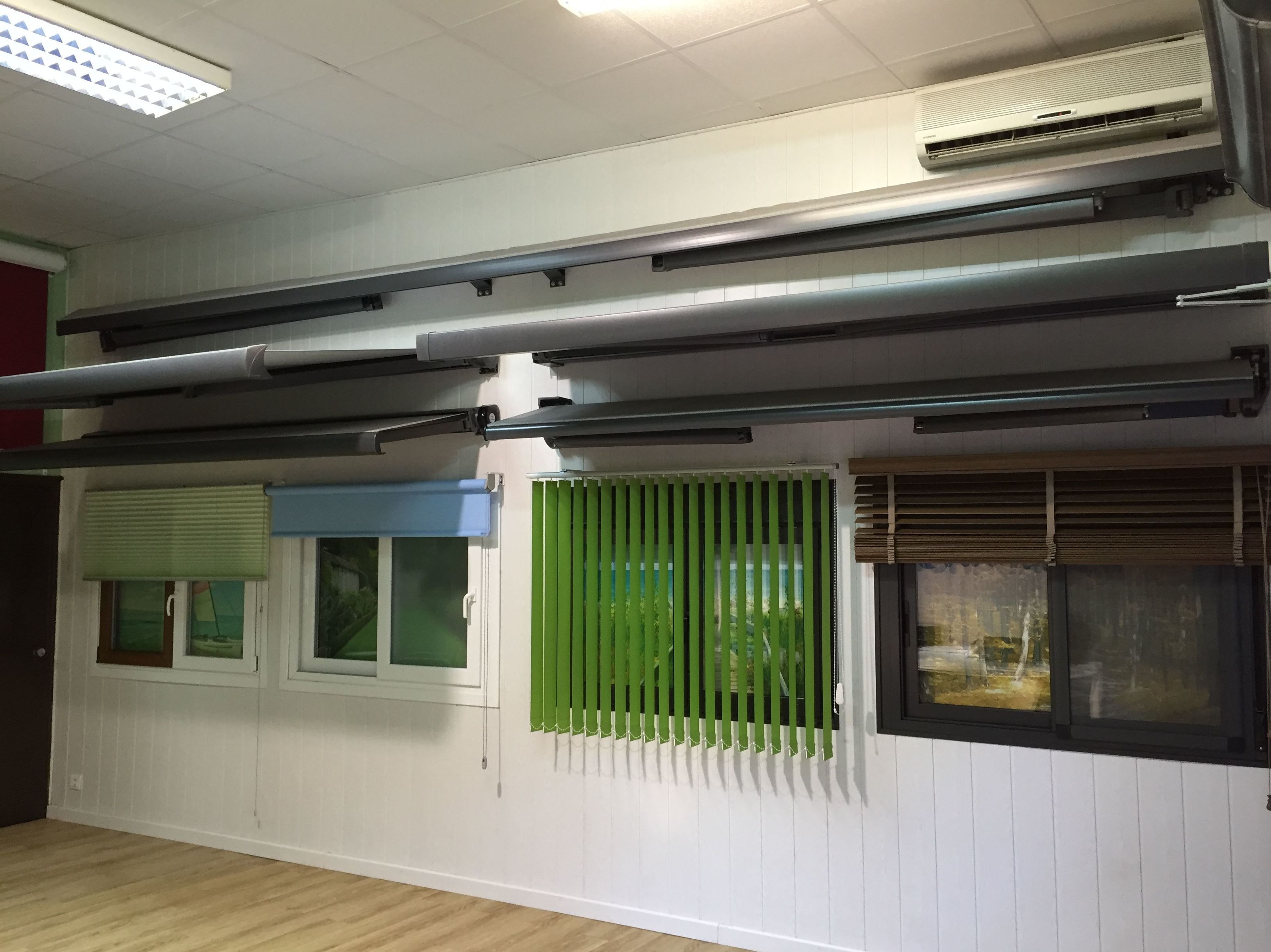 Fabricación venta e instalación de ventanas, persianas...