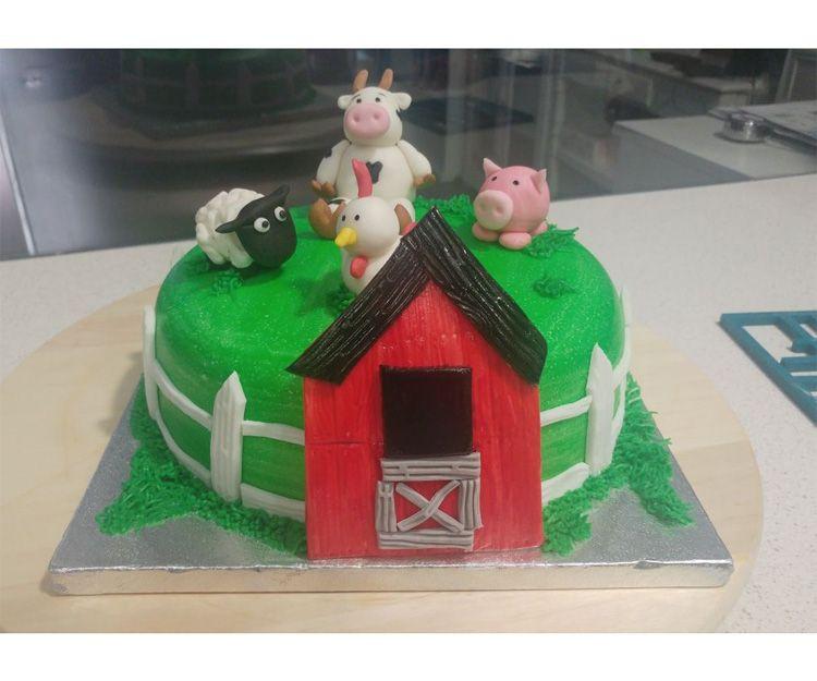 Tarta granja para cumpleaños