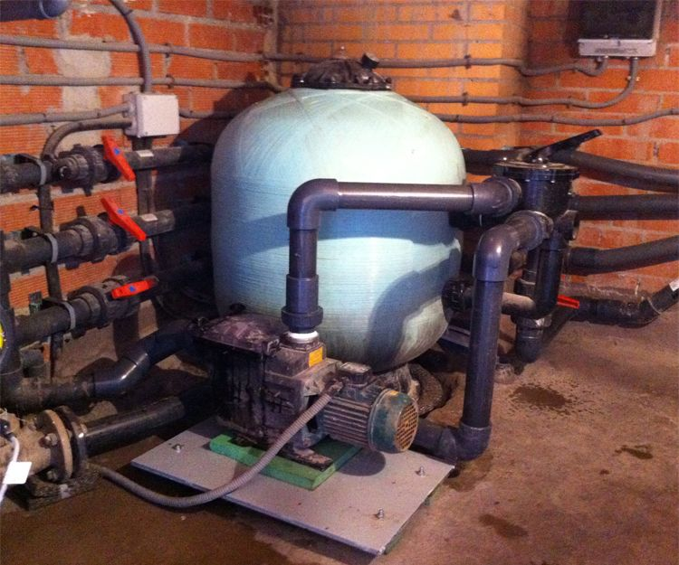 Tratamiento antivibratorio de depuradora de piscina en Móstoles