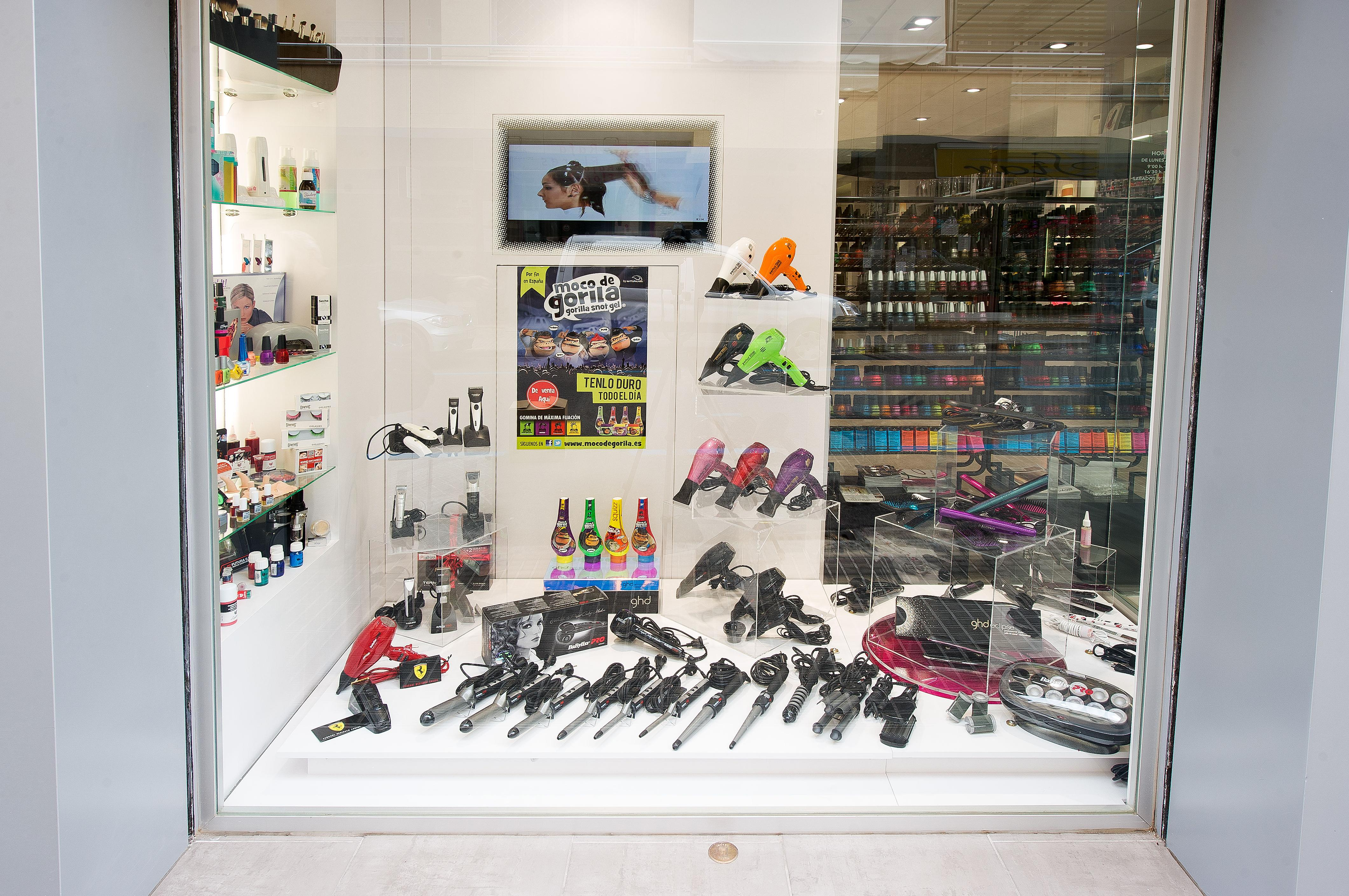 Foto 12 de Suministros para peluquerías y estética  en Ibiza | Mathiss