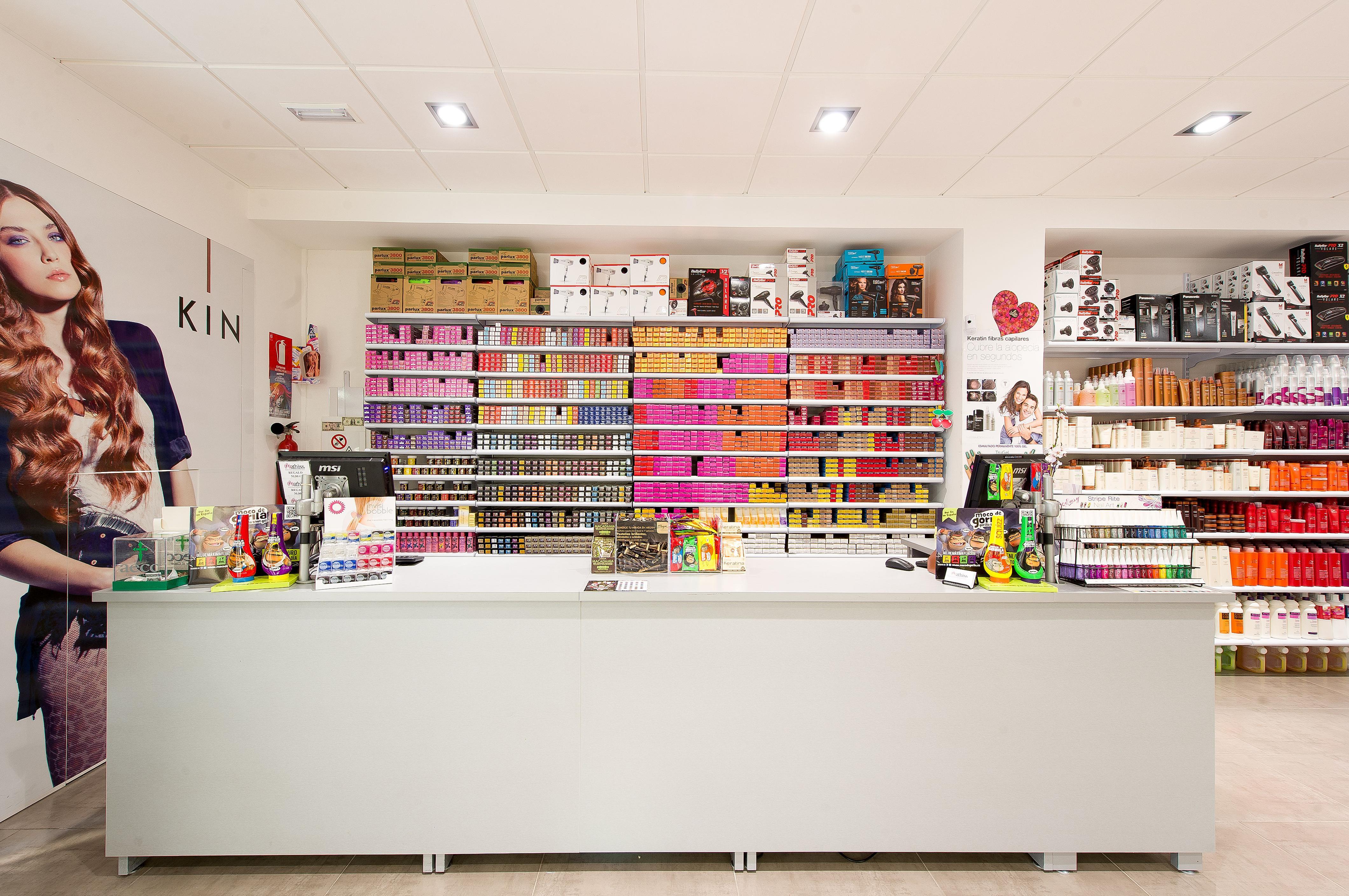 Foto 22 de Suministros para peluquerías y estética  en Ibiza | Mathiss