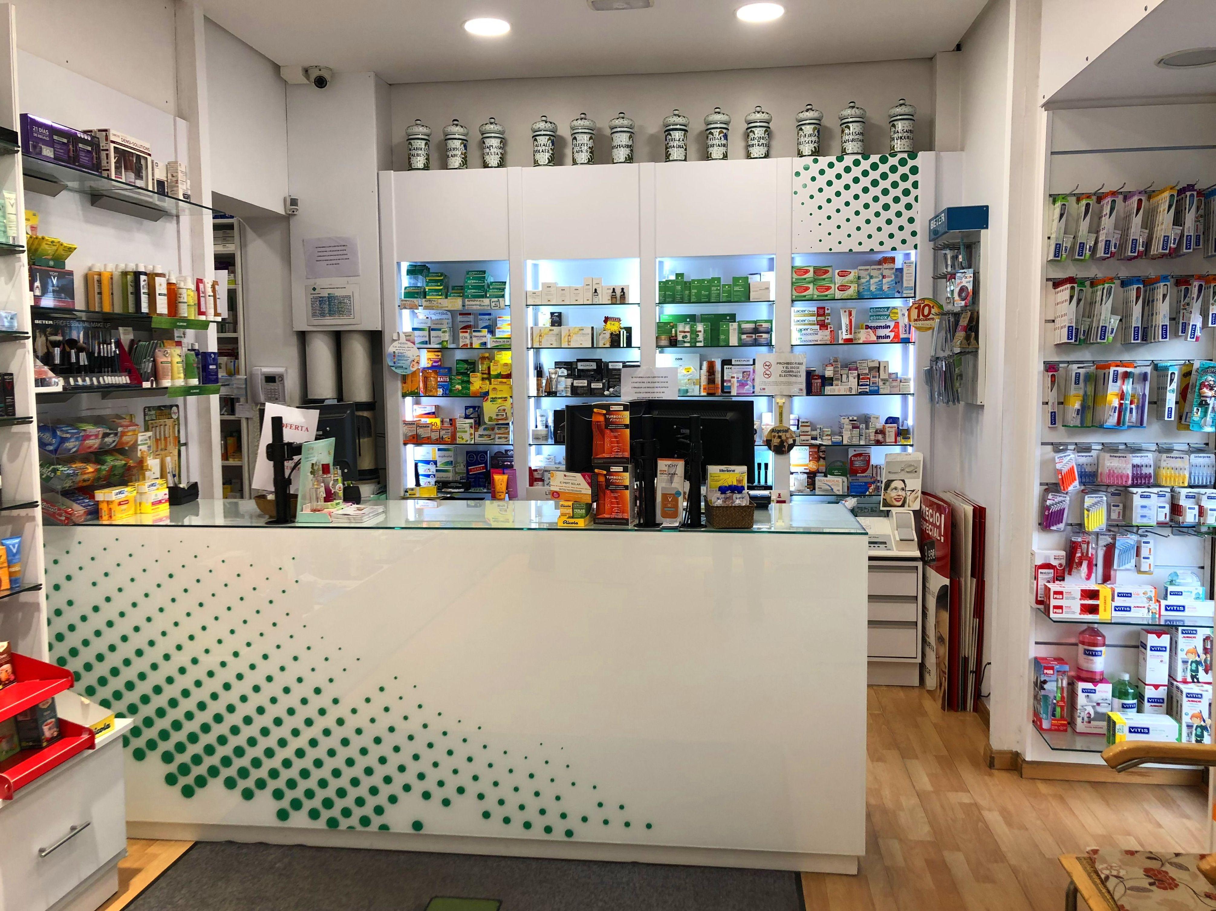 Foto 1 de Farmacias en Madrid | Farmacia Mª Rosario Prieto Sastre