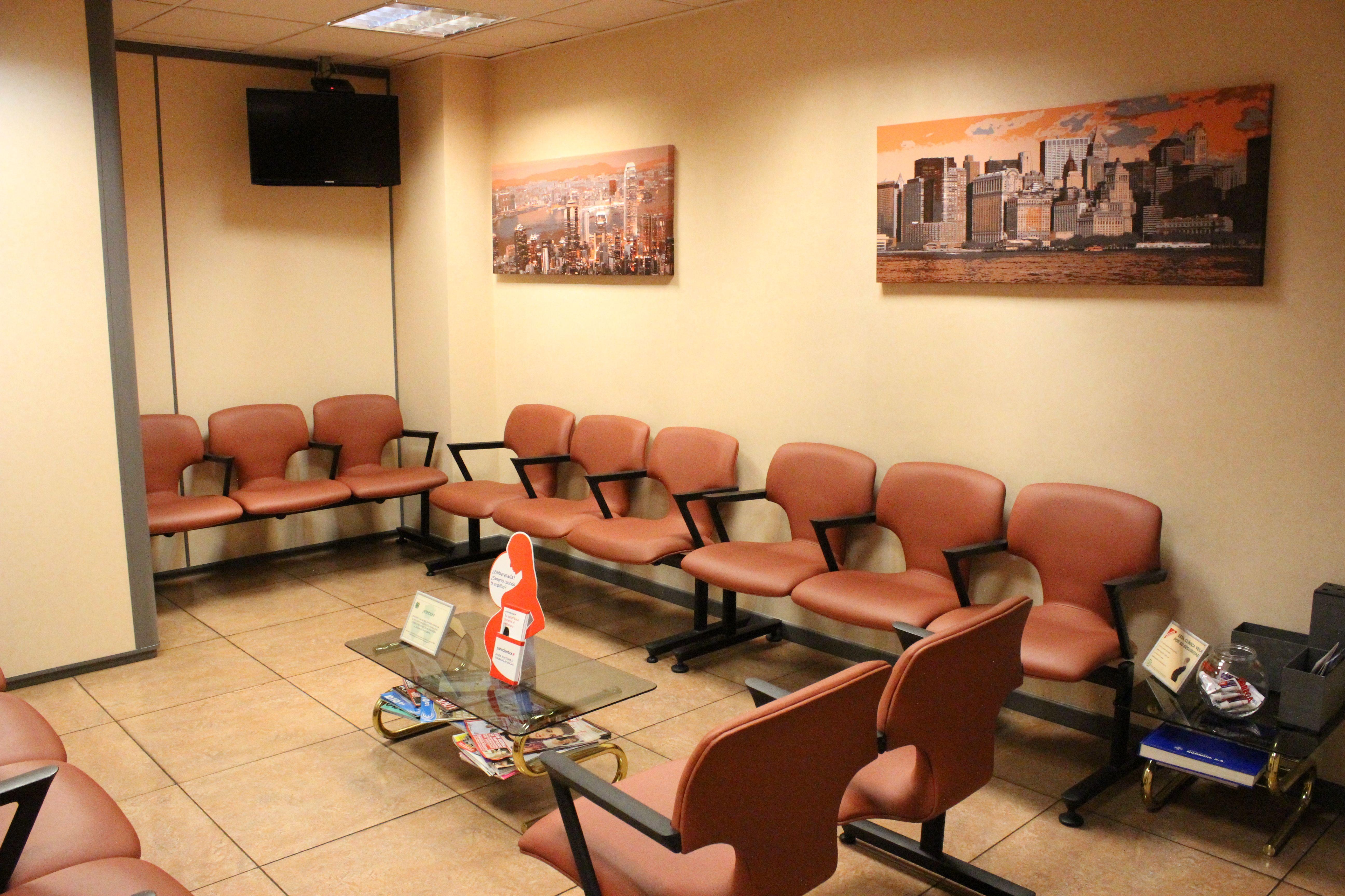 Foto 7 de Dentistas en Madrid | Clínica Dental Dr. Bassanini