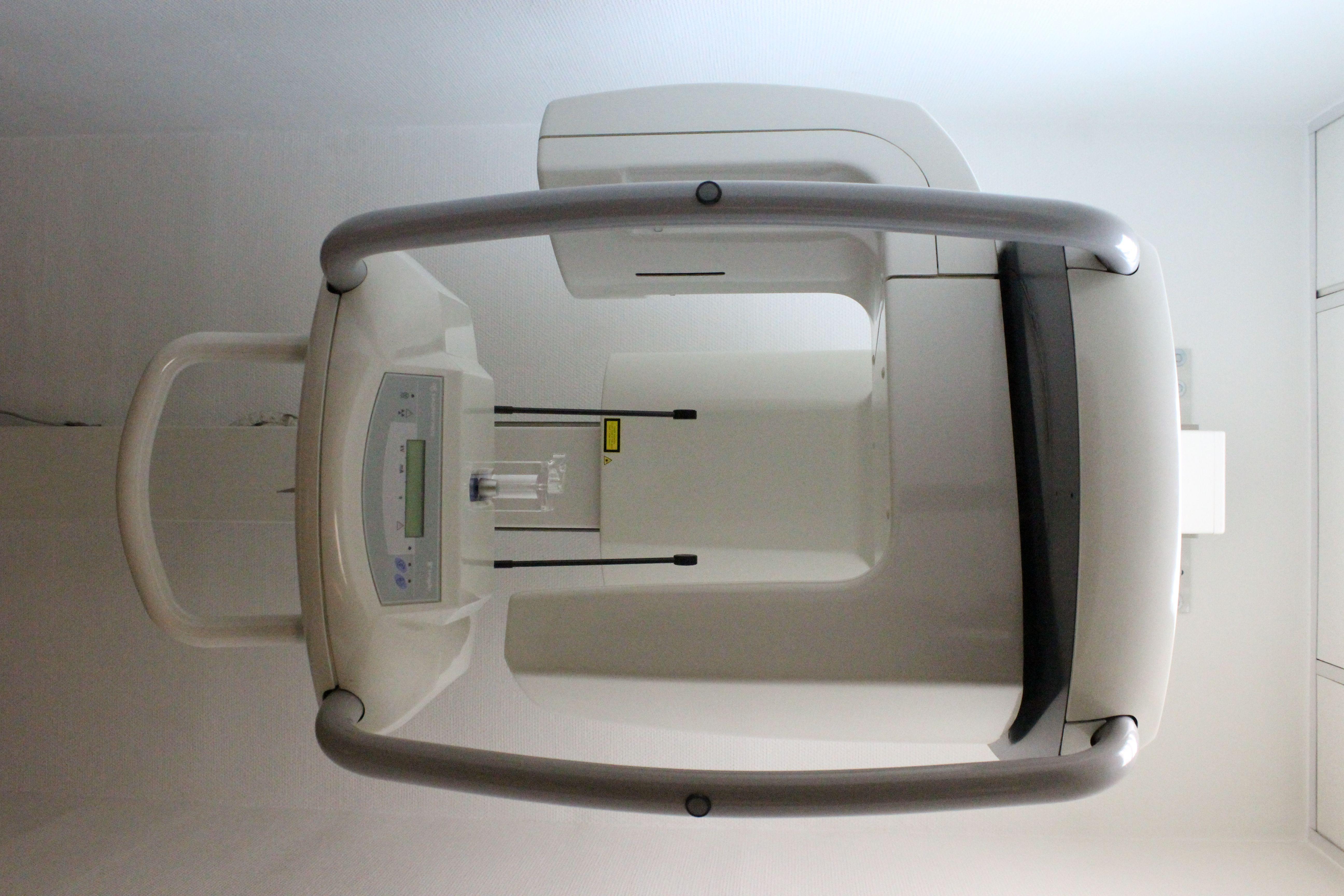 Foto 1 de Dentistas en Madrid | Clínica Dental Dr. Bassanini