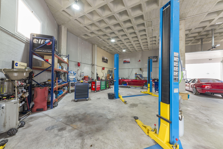 Interior de Elite Garage