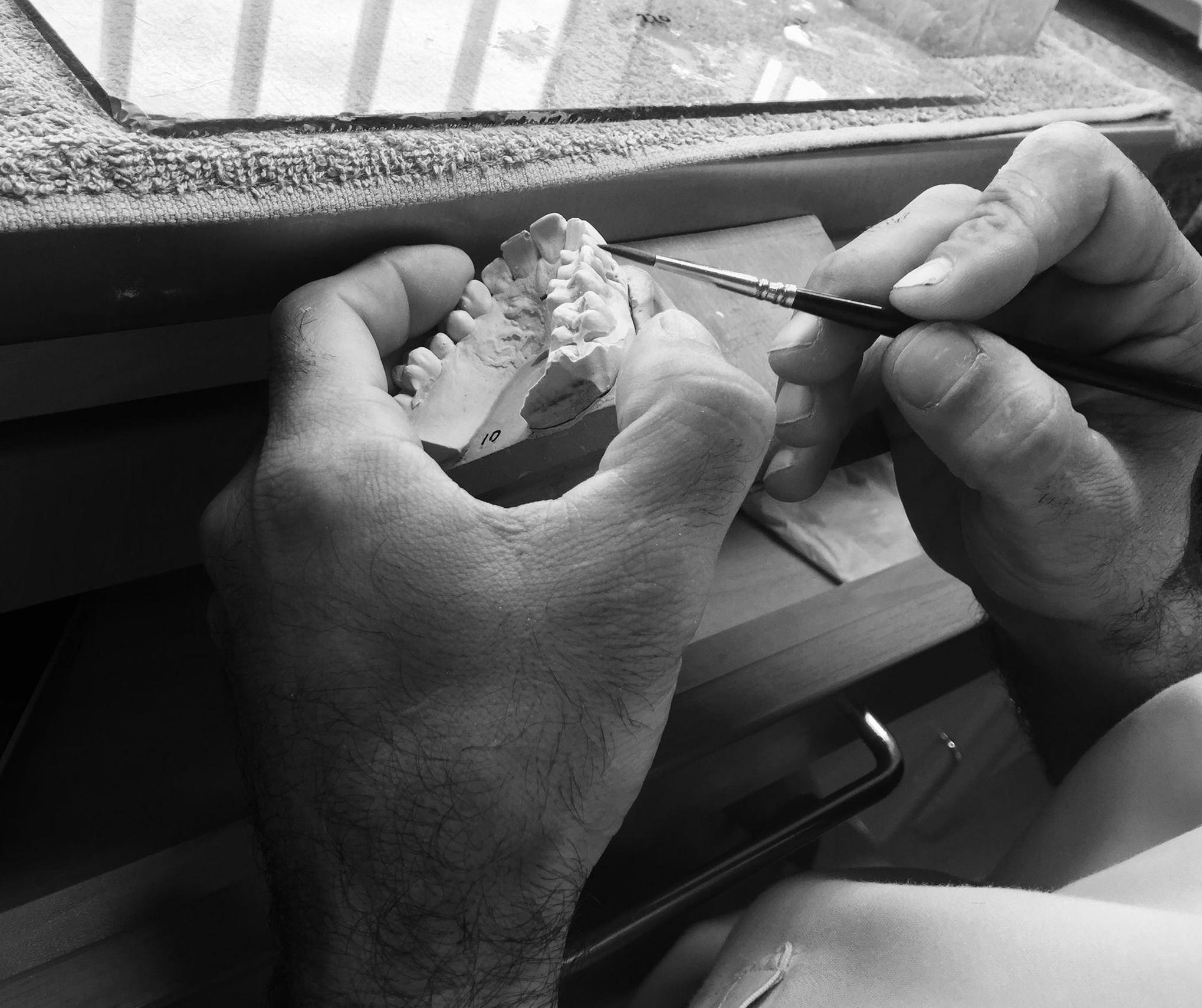 Foto 1 de Laboratorio protésico dental en Sevilla | Atenas Laboratorio Dental