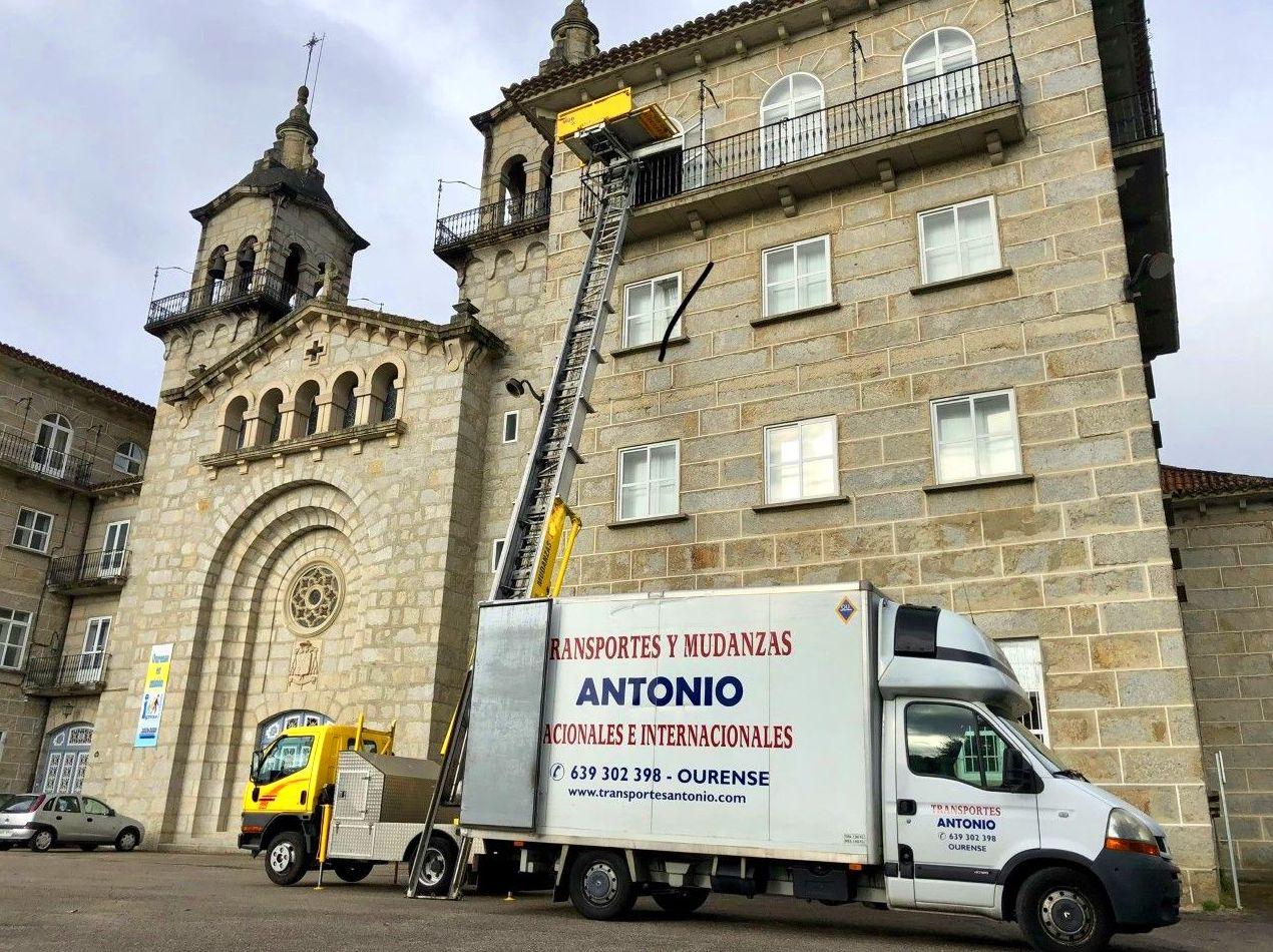 Foto 1 de Mudanzas y guardamuebles en Ourense | Transportes y Mudanzas Antonio