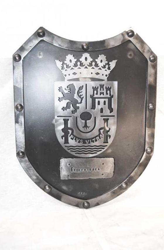 Escudo de forja de extremadura ref.12032