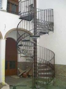 escalera de caracol en forja