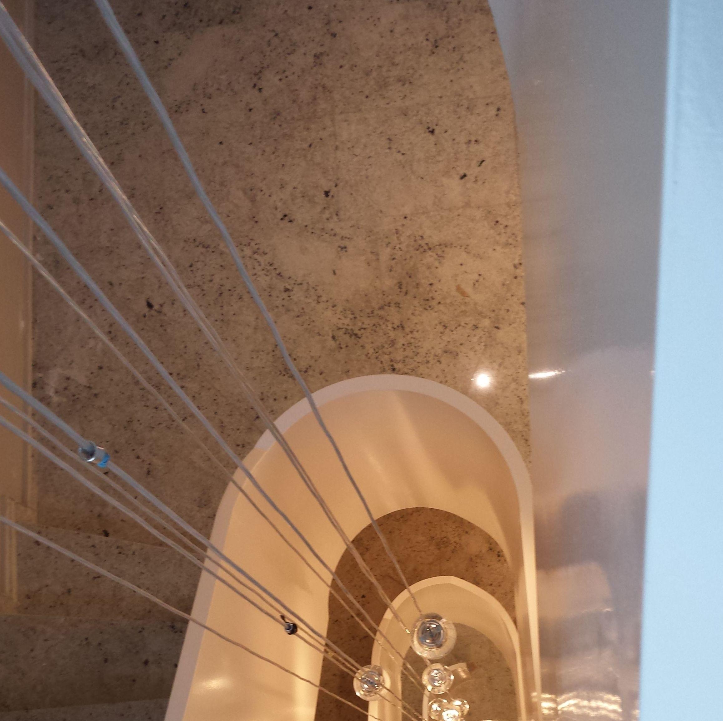 escalera de hierro helicoidal