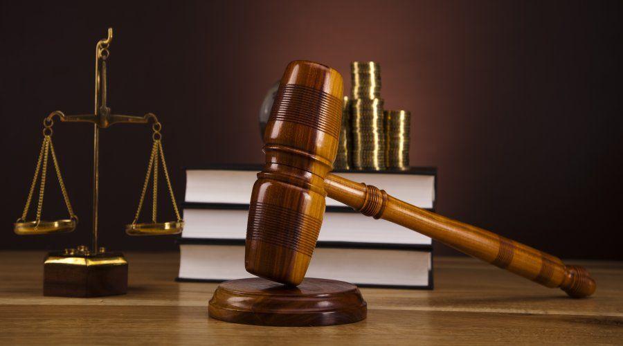 Derecho Tributario: Servicios de Eladio José Mateo Ayala