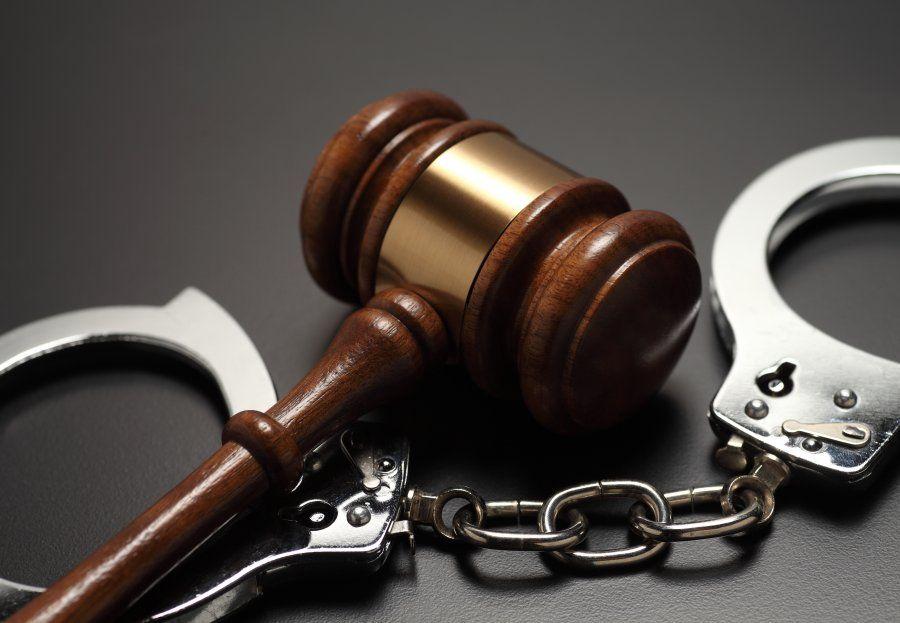 Derecho penal: Servicios de Eladio José Mateo Ayala