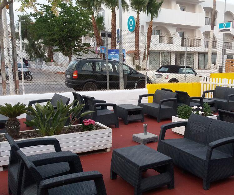 Terraza exterior en Ibiza