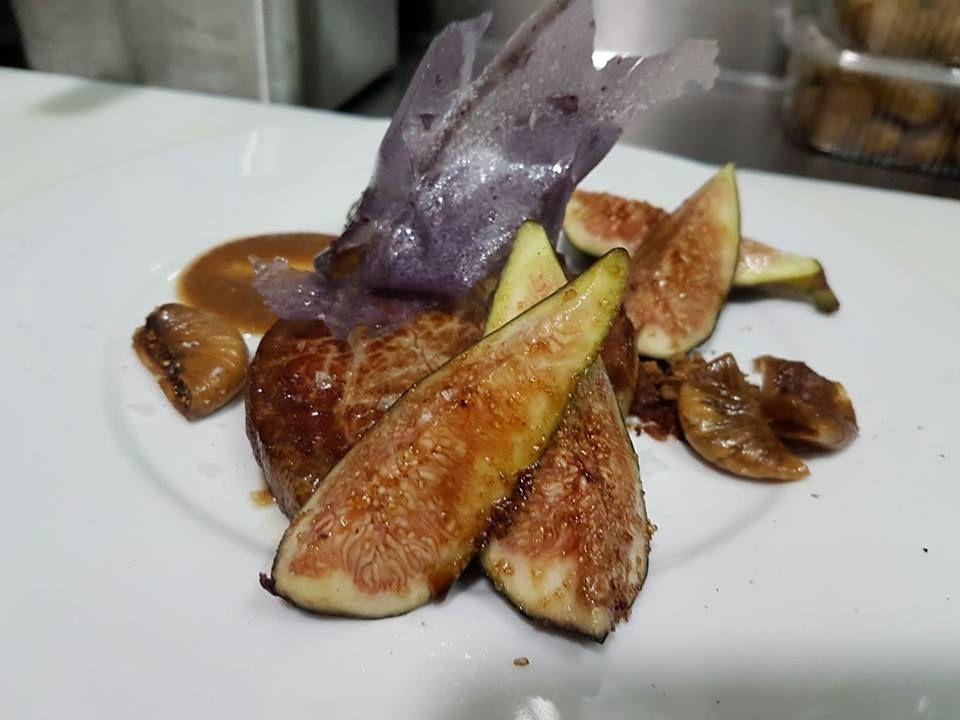 Solomillo con higos y patatas violeta
