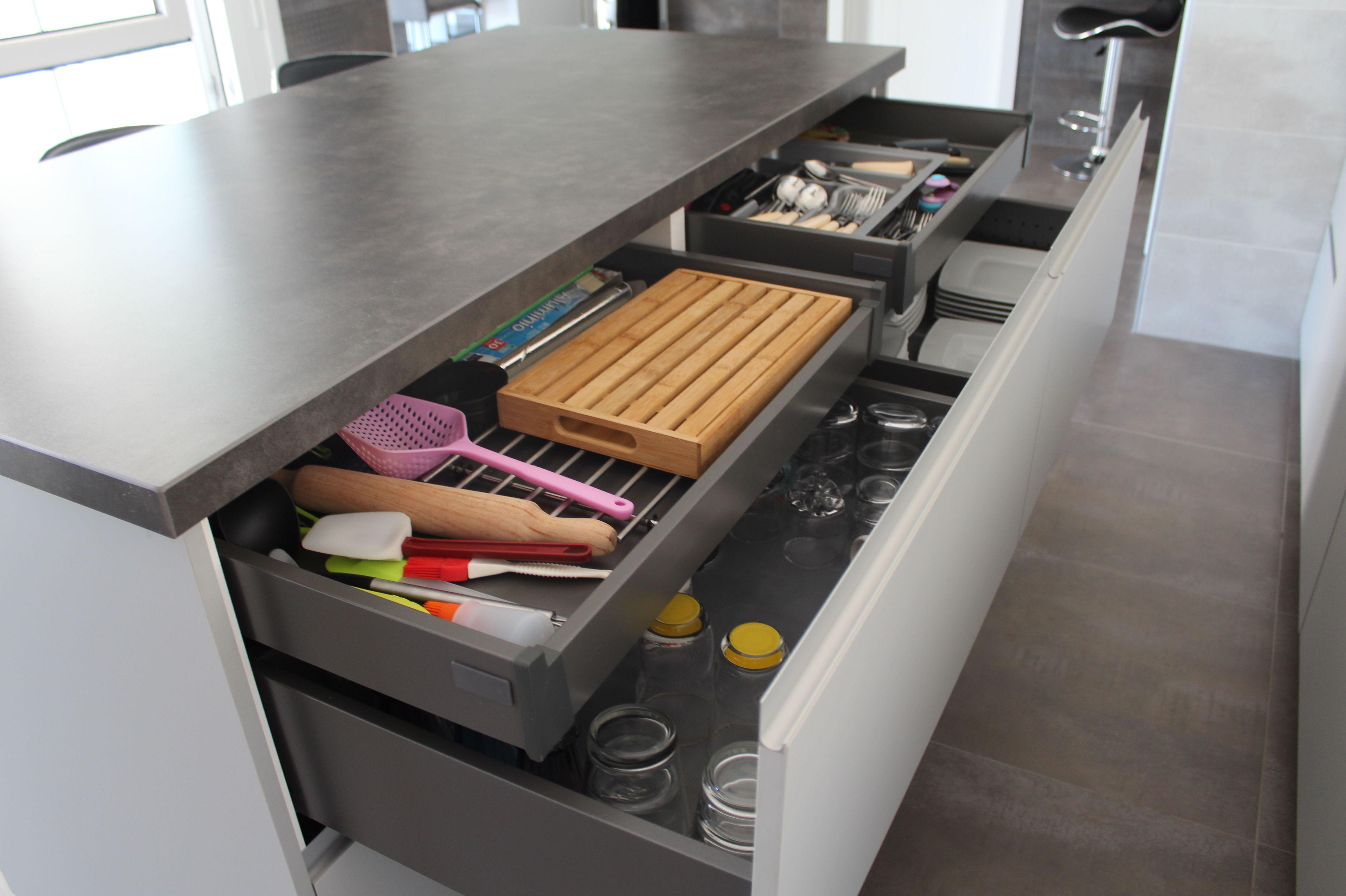 Cocina Luxe con gran capacidad de almacenaje