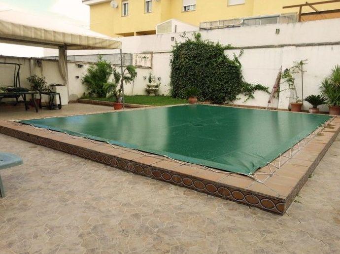 Proteja su piscina con una cubierta a medida