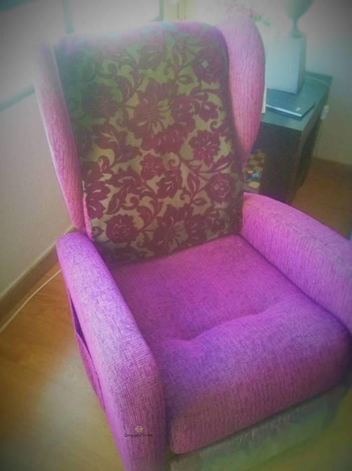 Cabezal adaptado a la tapicería del sillón