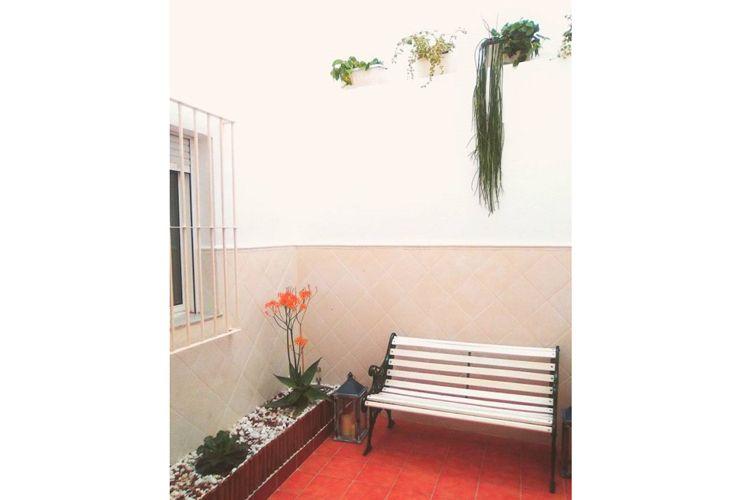 Patio exterior decorado por nuestra empresa