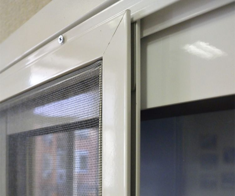 Reparación e instalación de mosquiteras en Embajadores, Madrid