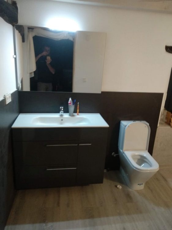Montaje y venta de muebles de baño en Zumaia