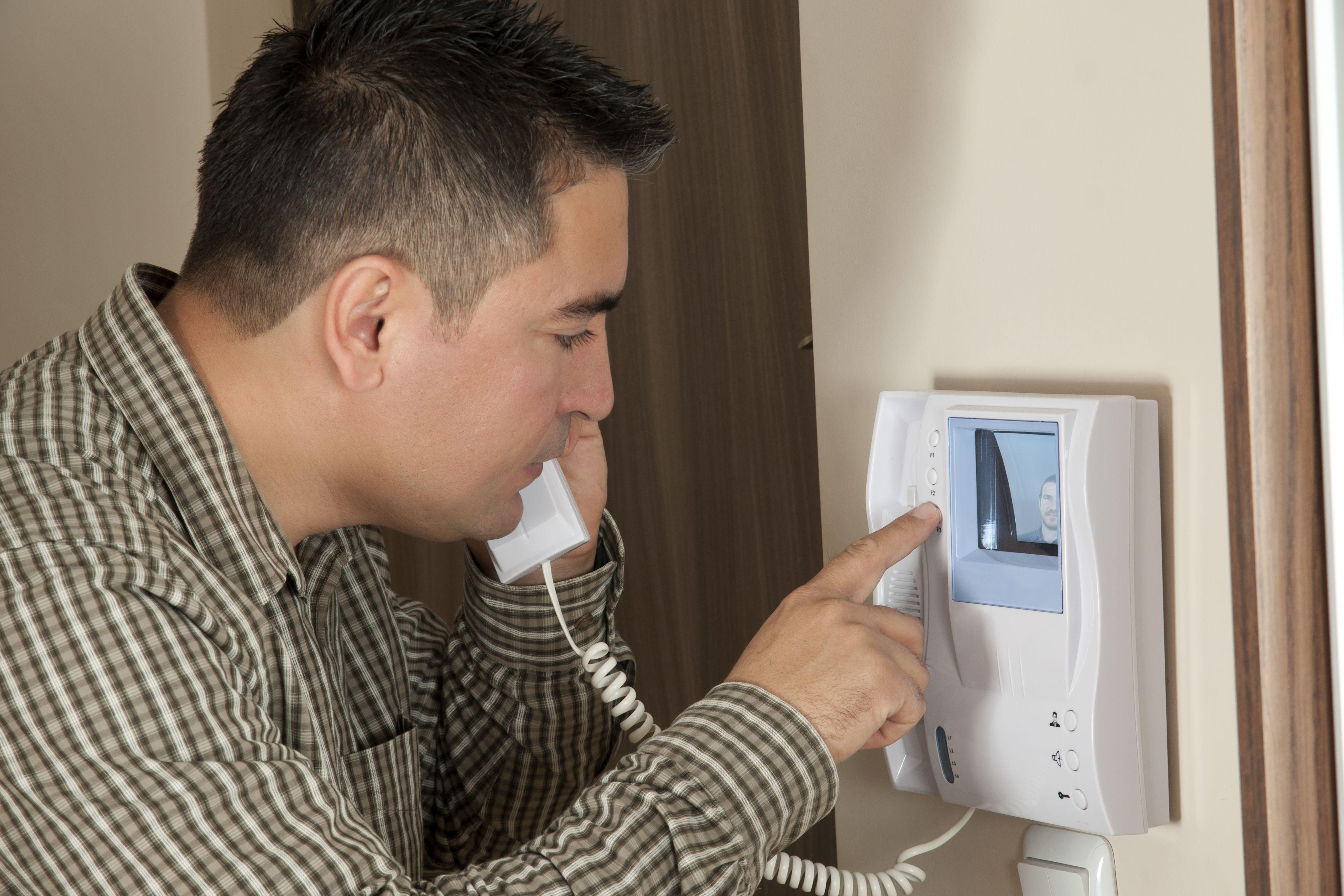 Porteros: Servicios de El Calambre Electricidad