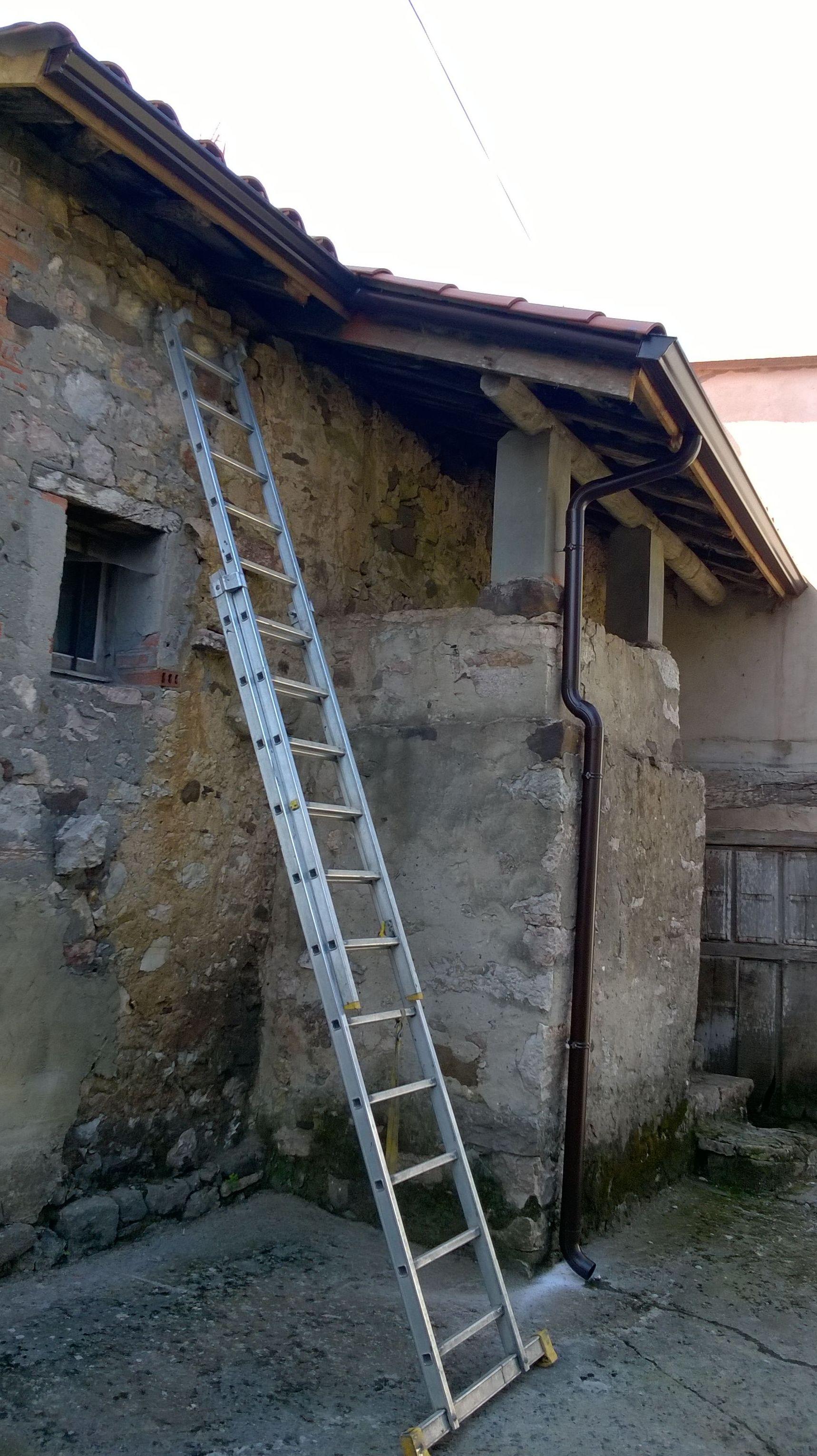 Instalación de canalón continuo en Asturias