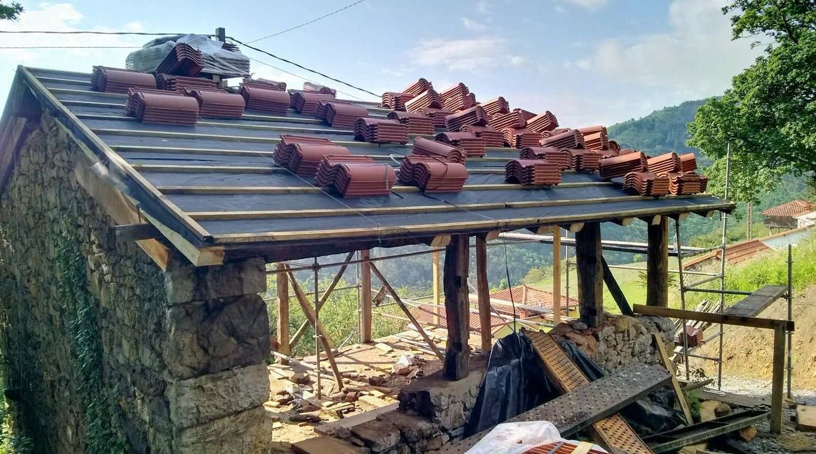 Canalón de aluminio lacado en Asturias