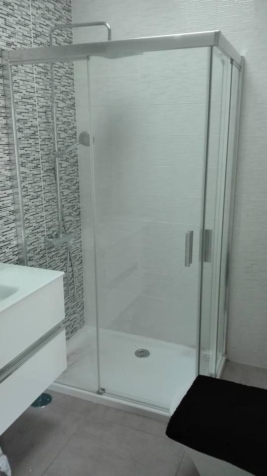 Mamparas de baño: Productos de Curvas y Aluminios González
