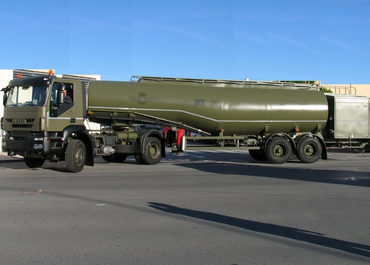 Camiones cisterna para el ejército