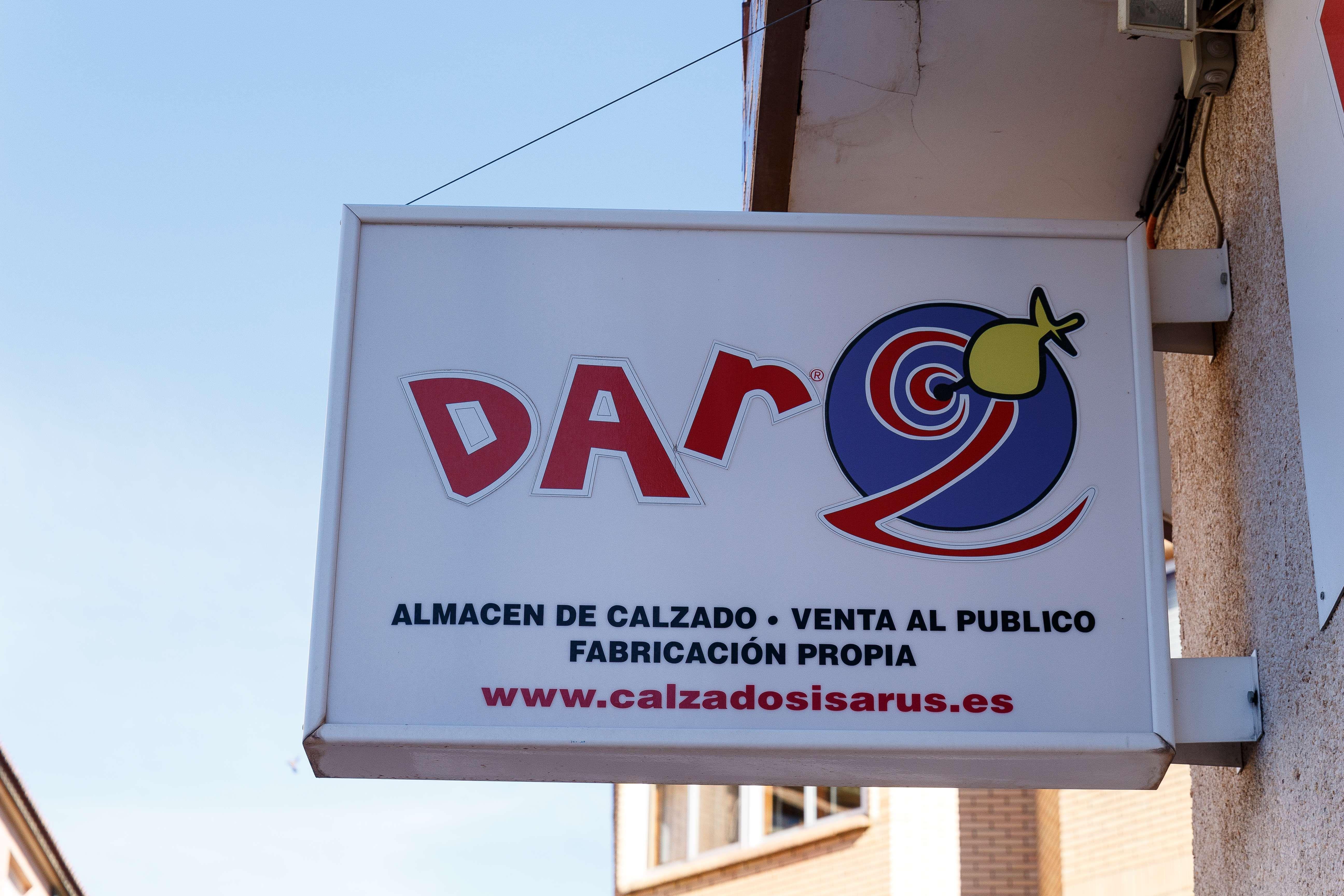 Almacén de calzado y venta la público en Illueca